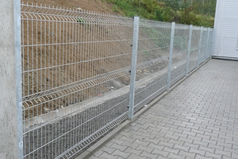 stavba-plotu-slavicin