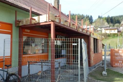Ocelová konstrukce vstupu Jednota Valašská Bystřice