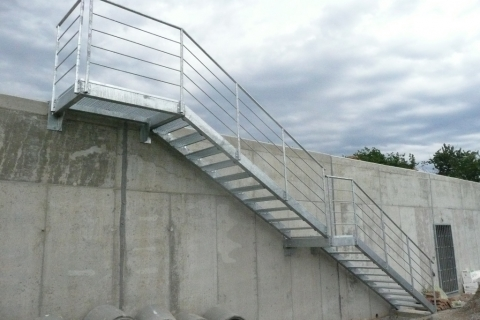 ocelove-schody-terasy-zlin