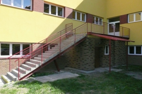 venkovni-schodiste-zs-zubri