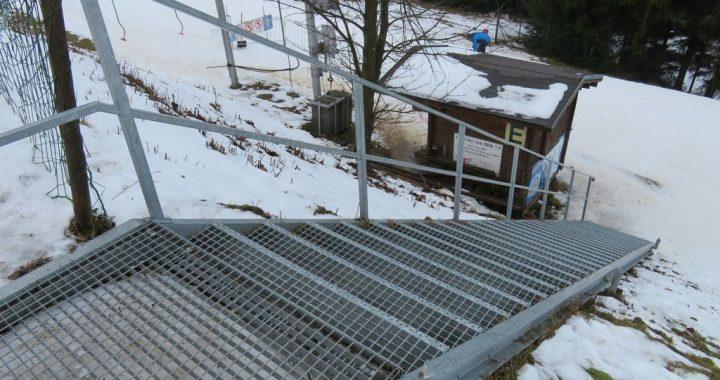 Skicentrum-Kohutka-schody-k-vleku