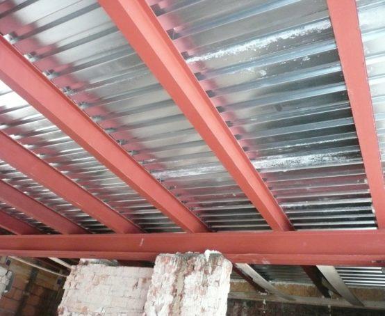 ocelovy-strop-podlaharska-univerzita