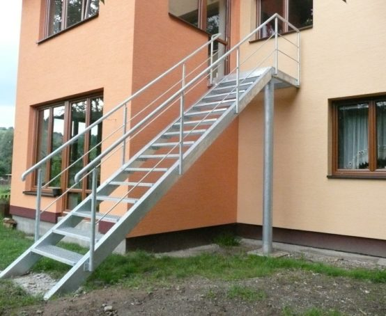 venkovni-ocelove-schodiste-mikuluvka